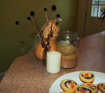 dried Black-eyed susans make a sppoky bouquet