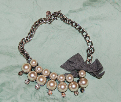 Necklace with faux pearls